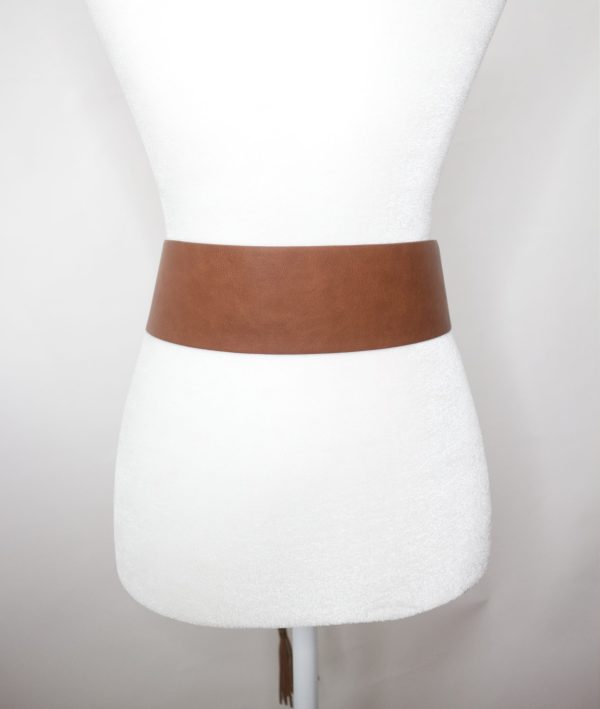 Tracy Gold Thrifted - Leather tan tie belt back