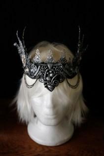 Metal crown