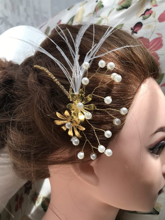 handmade golden bridal hair comb with feathers