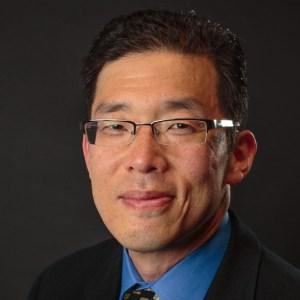 Calvin Chou headshot