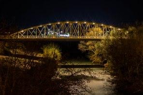 Título: Noche sobre el Puente de Hierro, Autor: