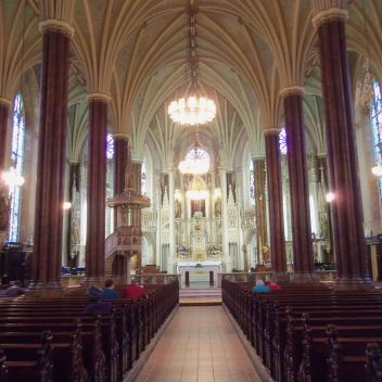 1280px-St._Alphonsus_Church_interior,_Baltimore