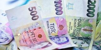 Češi jsou zase bohatší! Koruna rekordně posiluje vůči euru, v roce 2021 to bude pokračovat