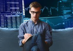 How necessary is a trading course to become a professional trader?
