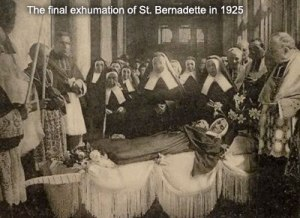 stbernadette-finalexhumation1925