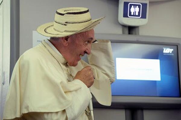 Francisco con el sombrero de Panamá 2