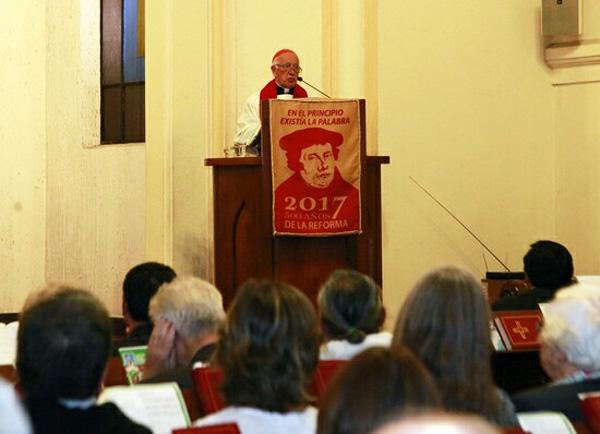 El cardenal de Chile en el templo luterano 1