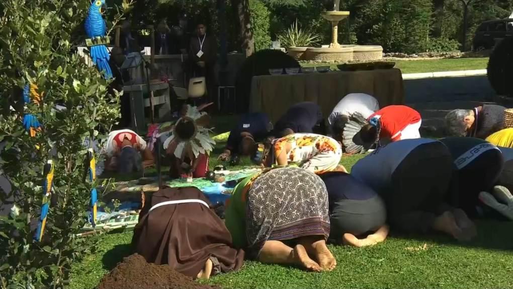 bowing-before-pagan-idols