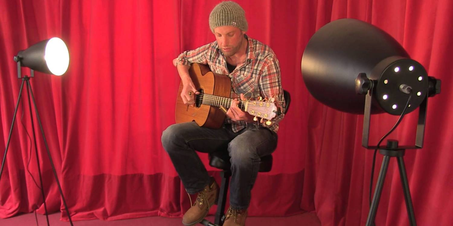 Paul Tasker performs Valve Oil for a TRADtv Live Room Session