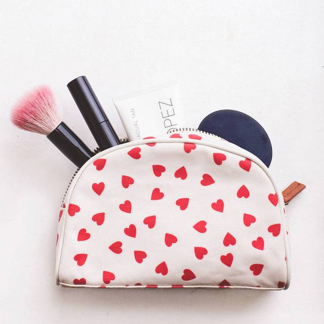 original_hearts-make-up-bag