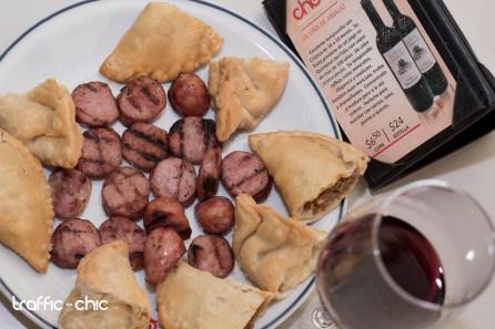 Chorizos Parrilleros y Empanadas de Carne y de Cebolla