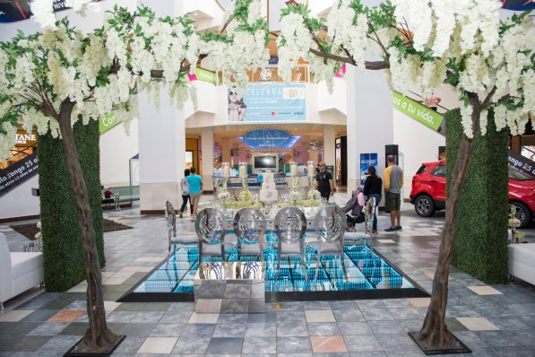 On, August 13, 2018, Plaza Las Americas mall inaugurated its annual 'Feria Novios en Plaza' with a celebrity runway bridal fashions show. Throughout the week exhibitors will offer their services and products while wedding fashions are presented during runway fashion shows. The fair runs from August 13-19, 2018.