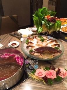 玫瑰鍋、玫瑰豬爽肉、珍寶蟹、盆景蔬菜