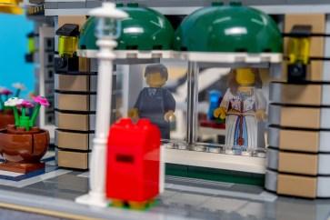 Lego Modular Building_Grand Emporium_3