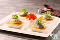 Dragon Wind_Steamed Garoupa Fillet with Egg White and Shao Xing Wine