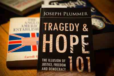 2-minute intro to the Globalist Agenda / Tragedy and Hope 101: Got Quigley? by Joe Plummer