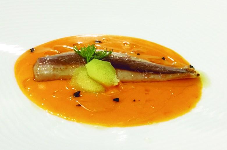 Receta de filete de sardinas con salmorejo