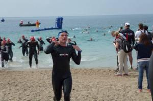 Transition natation/vélo lors du triathlon de Cannes