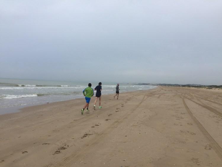 Footing sur la plage tunisienne