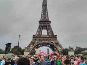 Départ face à la Tour Eiffel