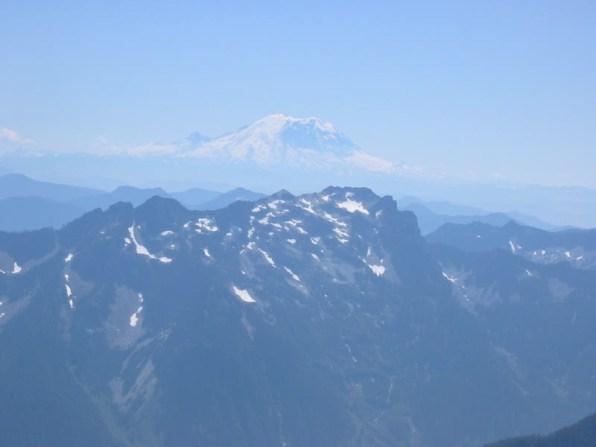 Mt Rainier and Snoqualmie Mountain