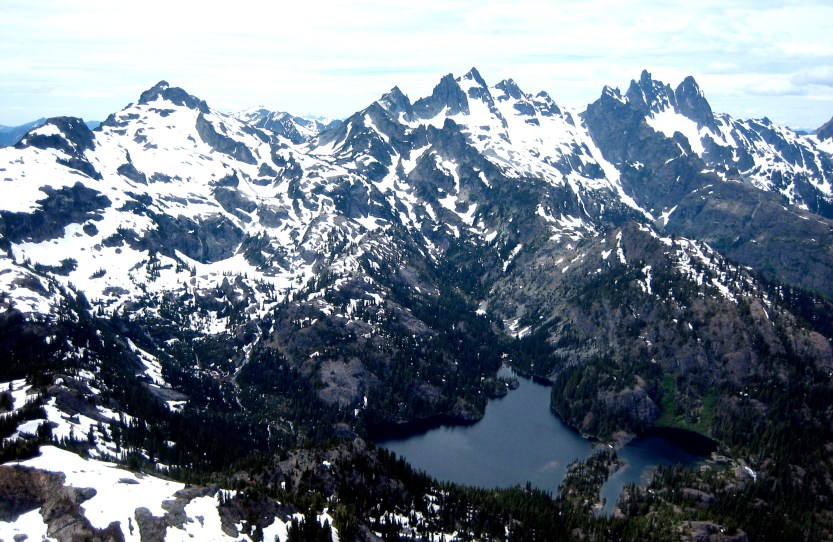 Chikamin Peak To Chimney Rock From Middle Queen