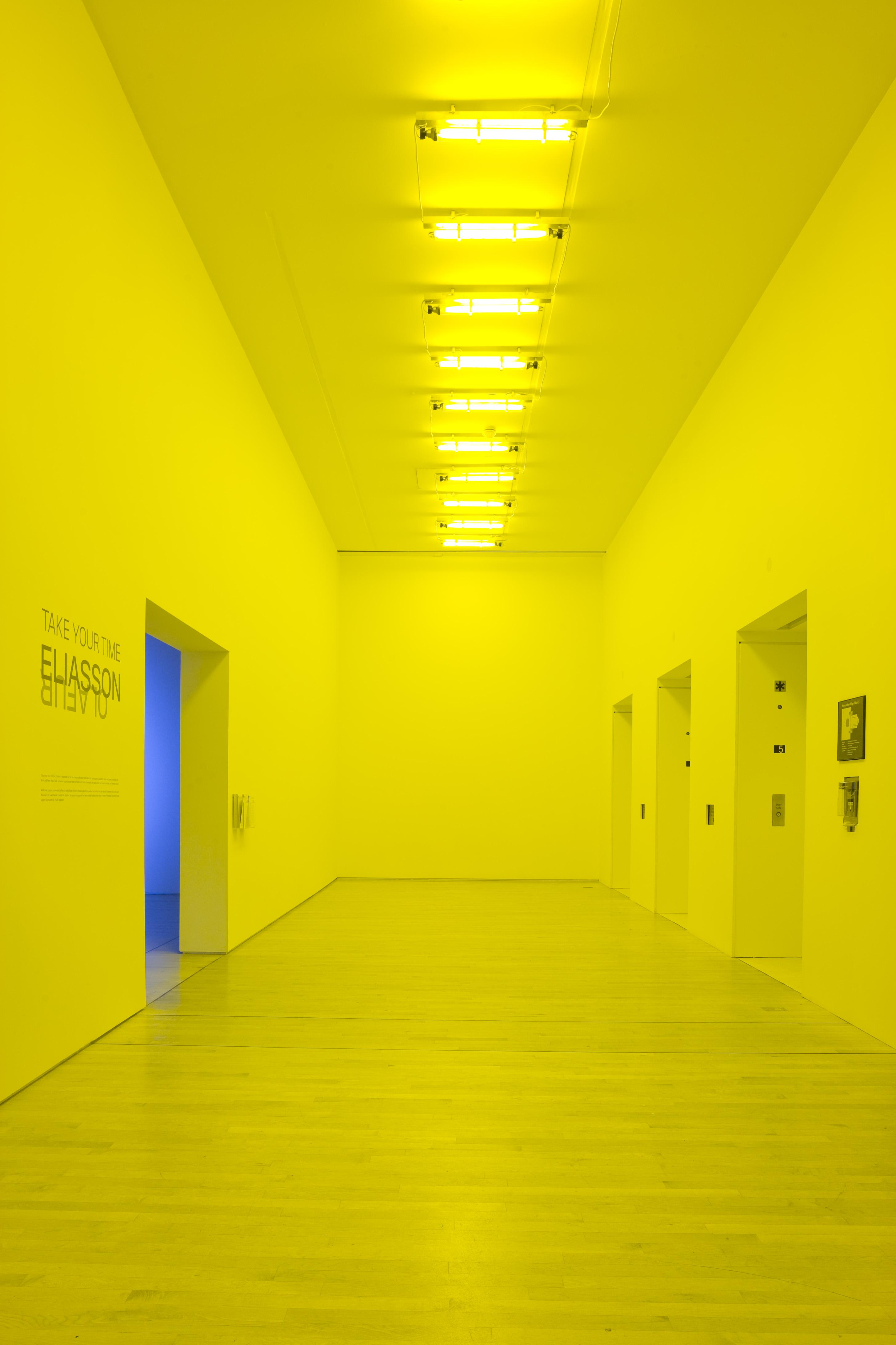 Olafur Eliasson, Room for one colour, 1997. Installation view at San Francisco Museum of Modern Art on the occasion of Take your time: Olafur Eliasson; photo: Ian Reeves, courtesy SFMOMA; © 2009 Olafur Eliasson