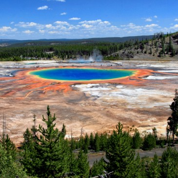 12 Best Day Hikes in Yellowstone National Park