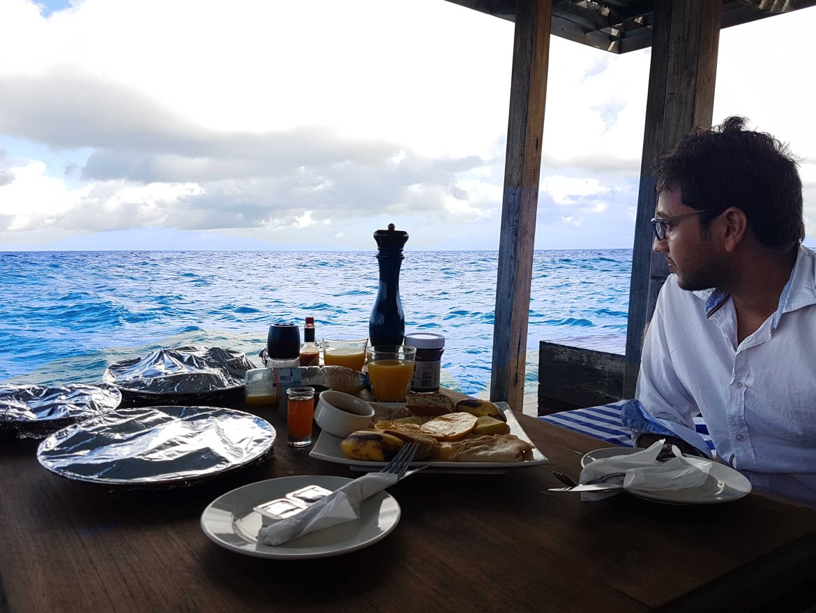 Breakfast at the underwater room