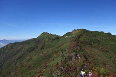 武尊山手前の家の串山からの眺め。