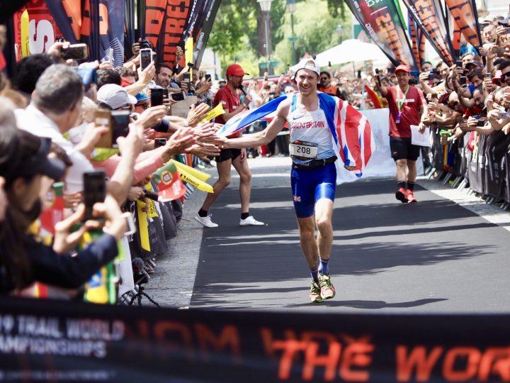 優勝したジョナサン・アルボン Jonathan Albon(イギリス)
