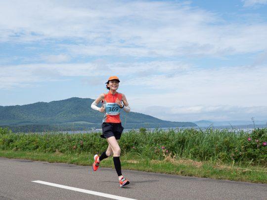 キムアネップ(63km地点付近)を走る太田美紀子。