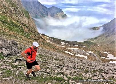 alpinultras-running-at-aspe-peak-canfranc