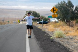 badwater-135-ultramarathon-ultra-trail-america-por-mayayo-ultrarunning-foto-adventure-corps-25