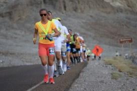 badwater-135-ultramarathon-ultra-trail-america-por-mayayo-ultrarunning-foto-adventure-corps-30