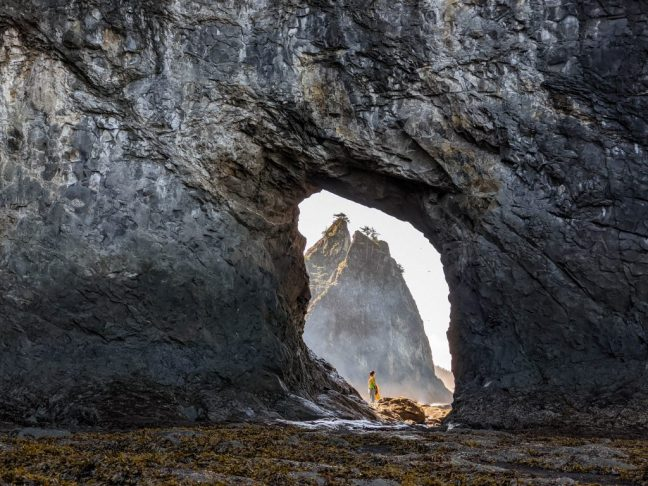Trail Guide: Hole in the Rock at Rialto Beach
