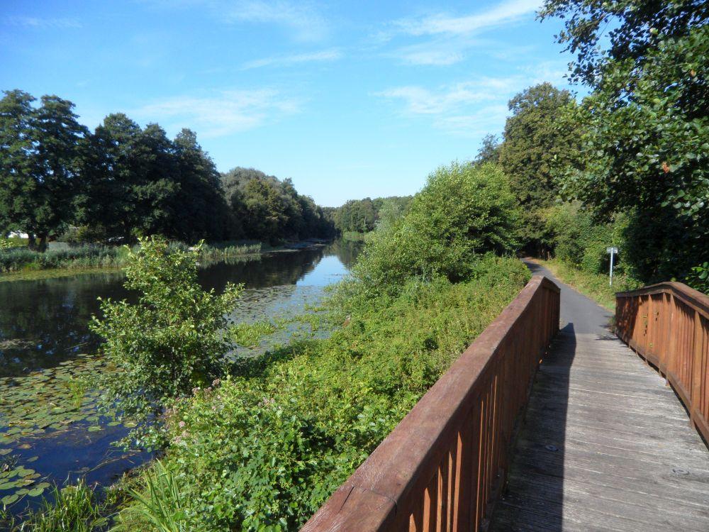 Radweg entlang des Finowkanals