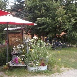 Vorm Waschhaus von Ribbeck
