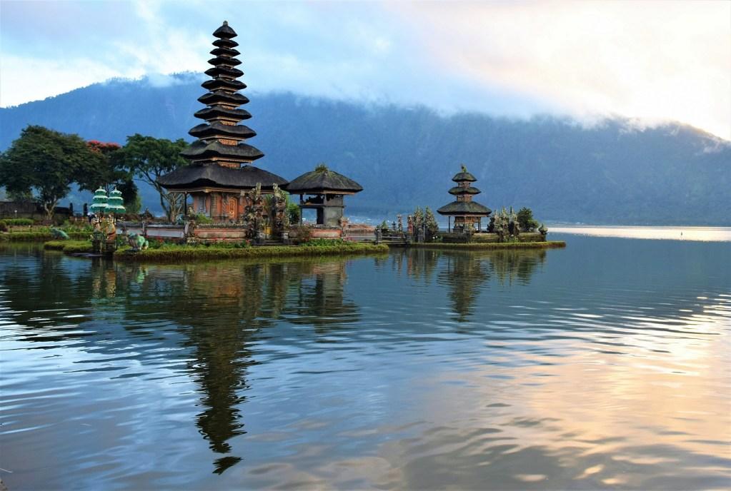 lake bratan bali map Bali Travel Blog Chasing The Sunrise At Bedugul Lake Temple lake bratan bali map