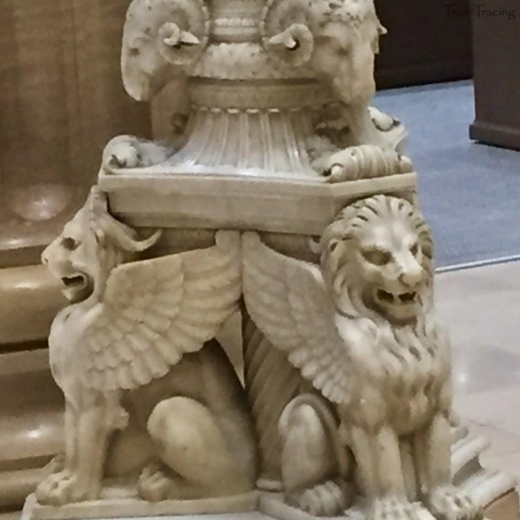 231 S. LaSalle Street Mail Hall Lion Column