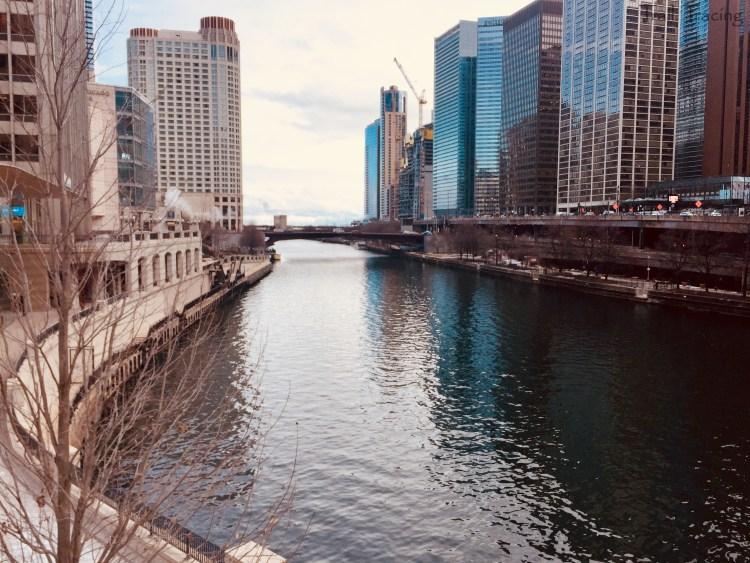 Chicago River - East on Michigan Avenue Bridge