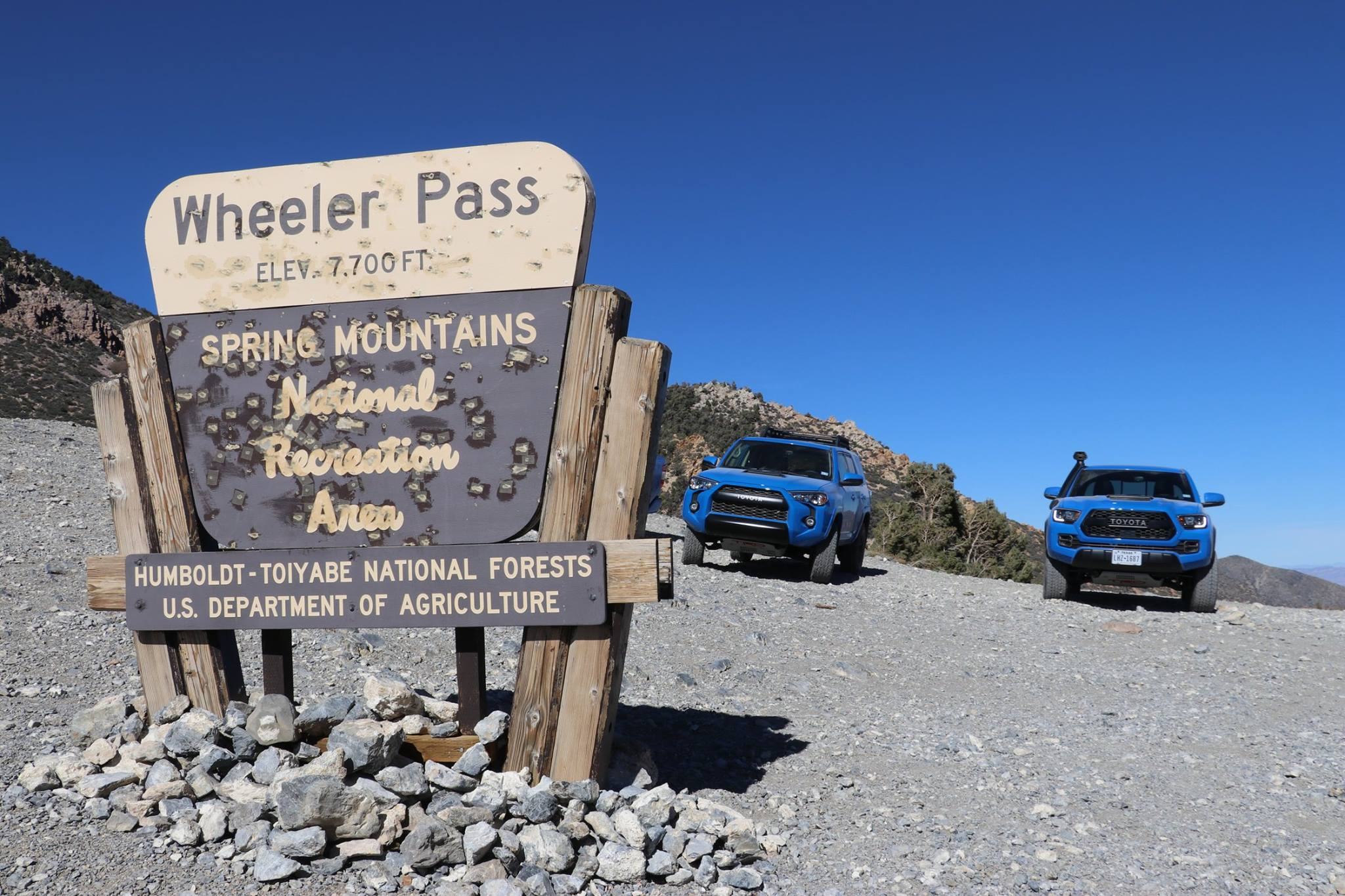 ManTripping : Climbing Wheeler Pass with Toyota TRD Pro Trucks