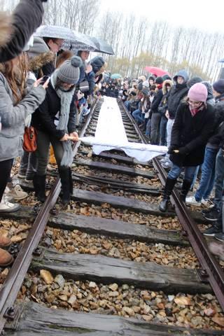 Déroulement des draps, Birkenau. 18/11/14