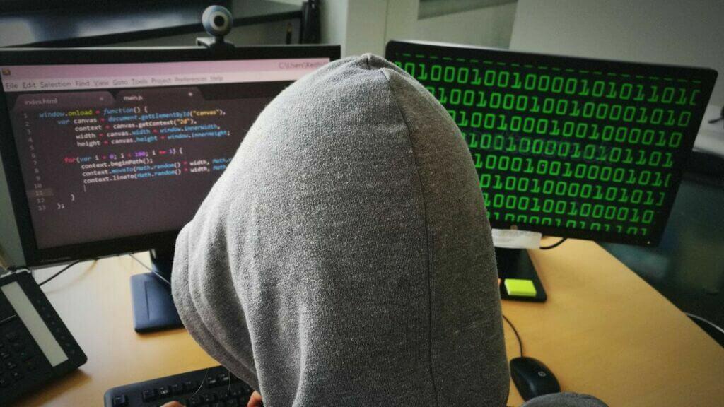 Wenn der eigene Laptop zur Falle wird – Tipps und Tricks wie wir uns am besten gegen Hacker rüsten