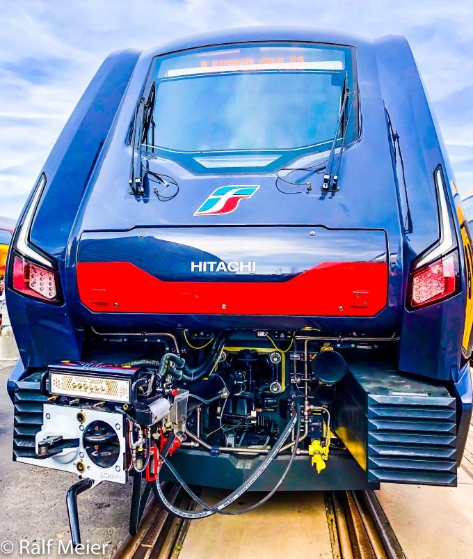 Irish Rail Diesel Locomotive 207-18.jpg