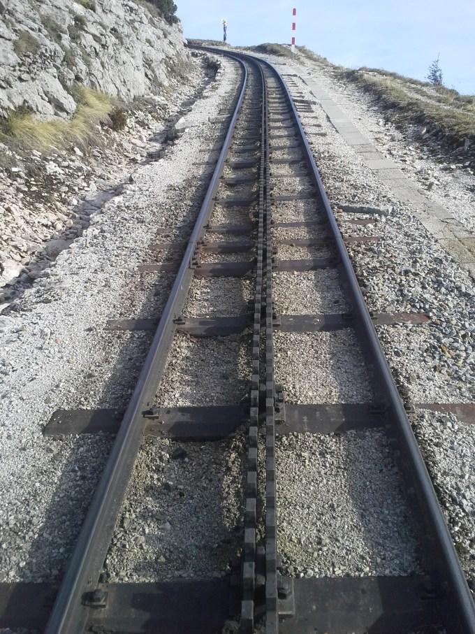 Strecke_der_Schafbergbahn,_System_Abt.jpg