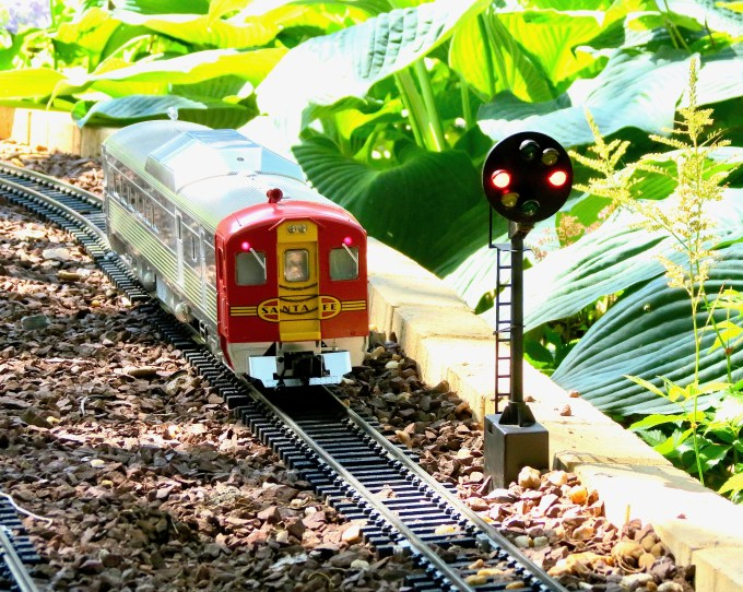 G Scale Signal
