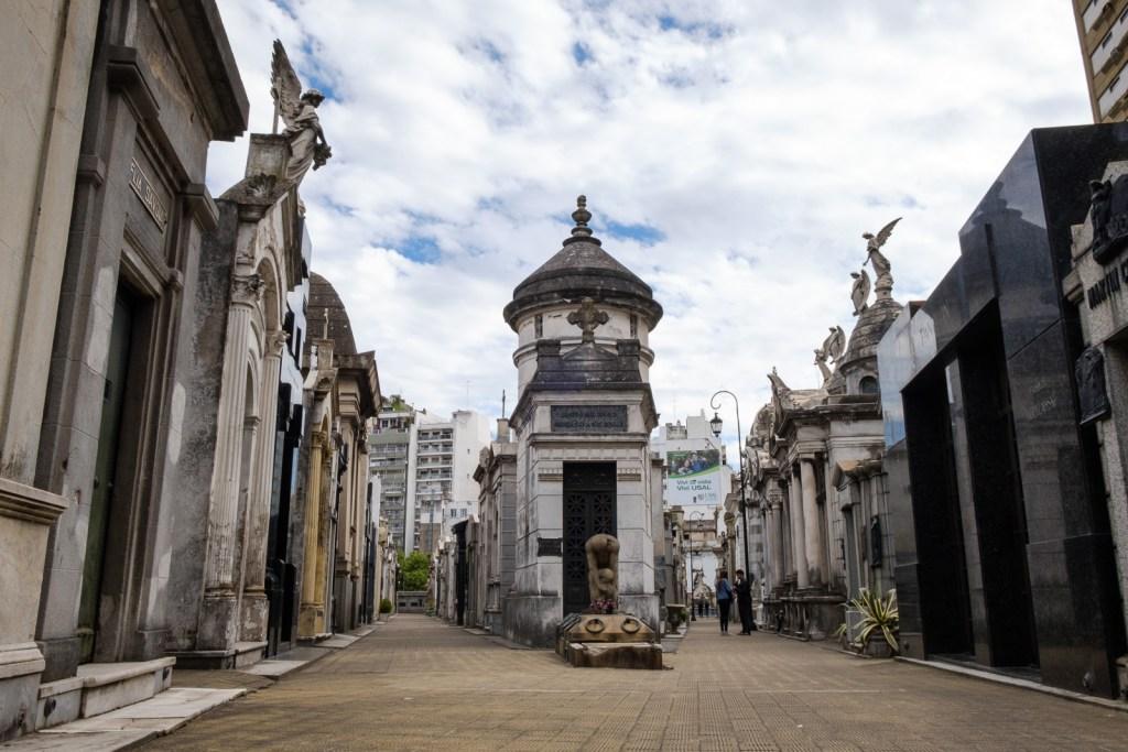cimetière Recoletta buenos aires tombeaux