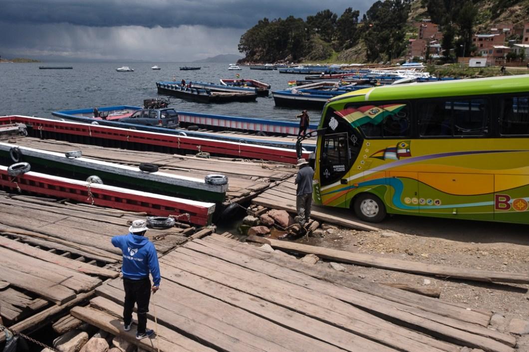 lac titicaca bateau traversier bolivie