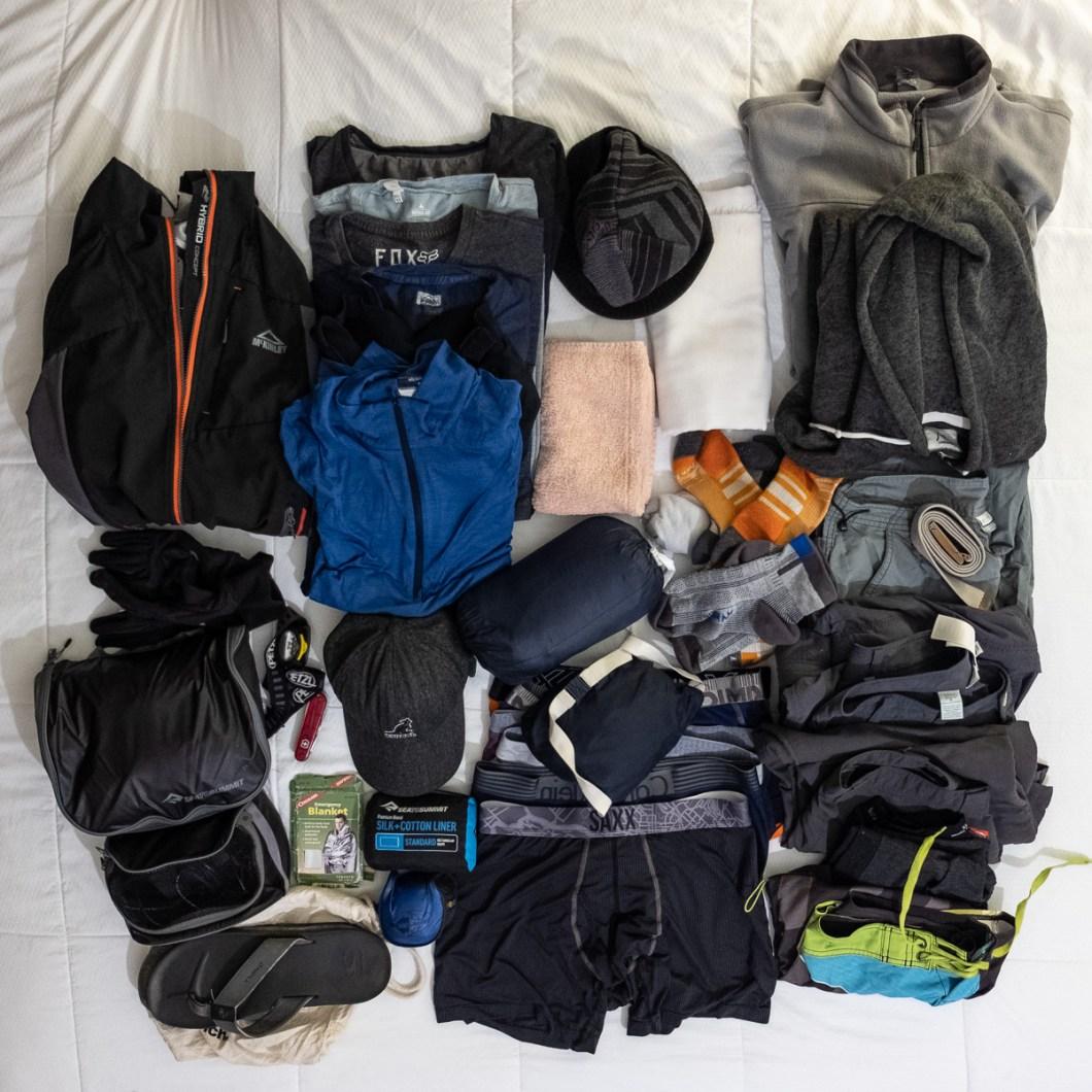 vêtements sac pour tour du monde